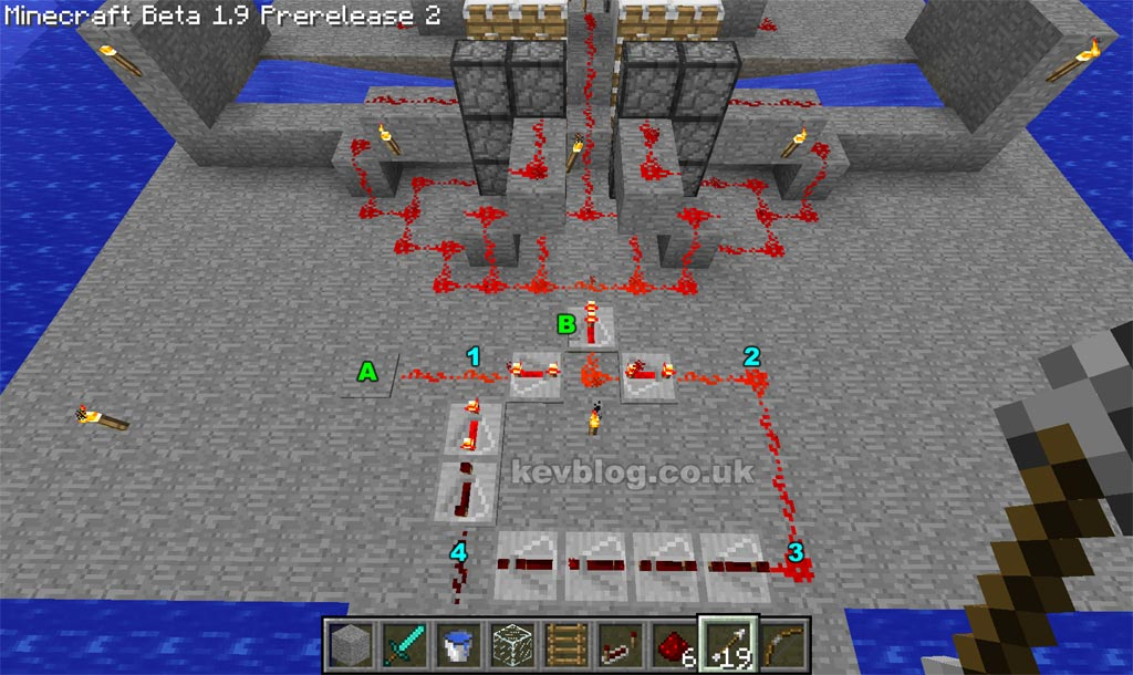 How To Make A Redstone Repeating Circuit Redstone Repeating Circuits